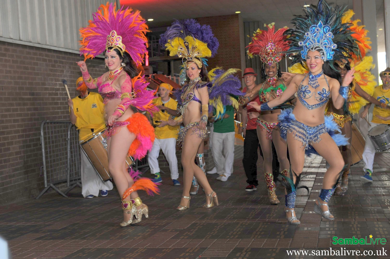 brazilskaya-samba-porno-porno-po-pyanke-lyubitelskoe-onlayn